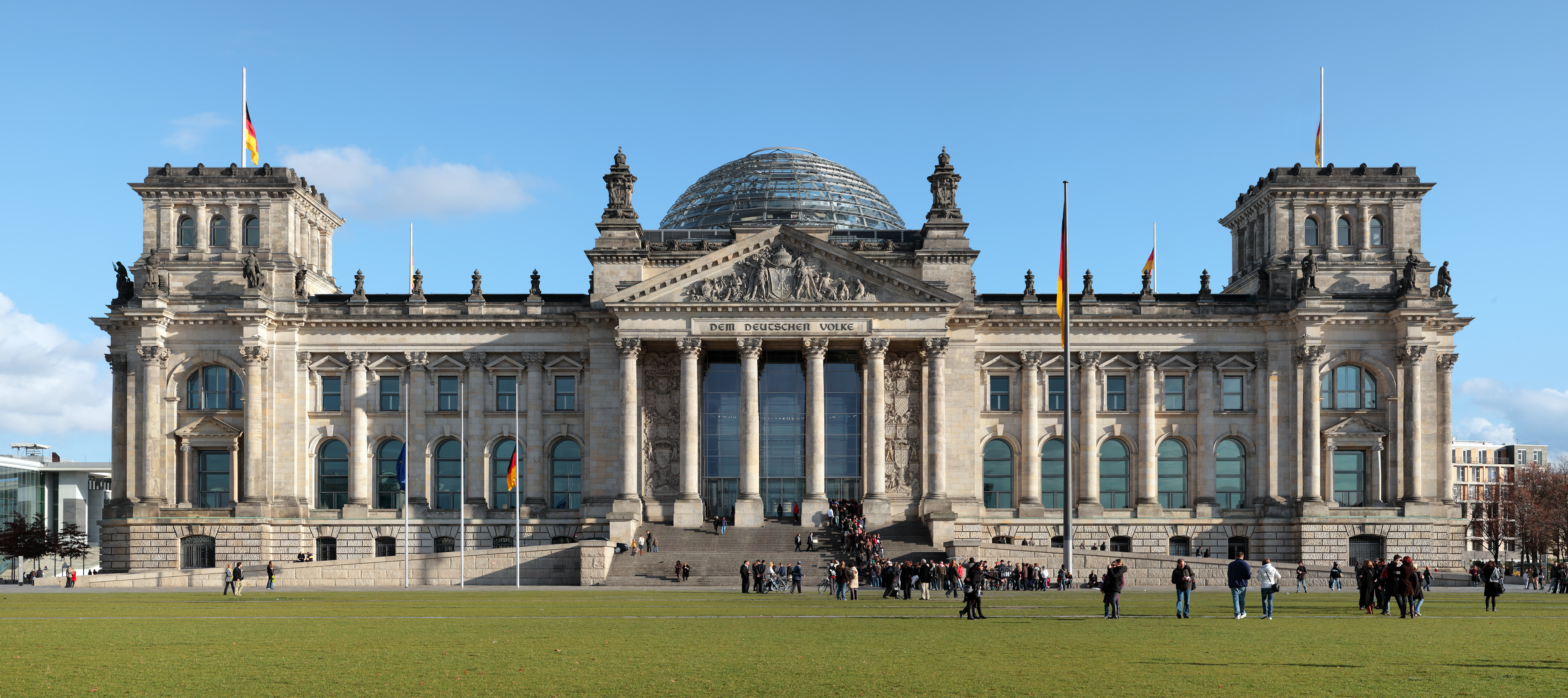 The Reichstag Fire >> Reichstag in Berlin | Sidetracks Germany