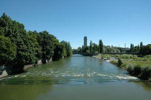 800px-Isar_Wittelsbacher_Brücke