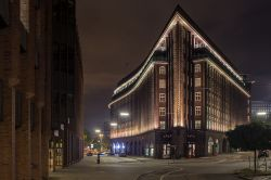 """Chilehaus Hamburg 2013"" by Sebastian Warneke - Own work. Licensed under CC BY-SA 3.0 via Wikimedia Commons - https://commons.wikimedia.org/wiki/File:Chilehaus_Hamburg_2013.jpg#/media/File:Chilehaus_Hamburg_2013.jpg"