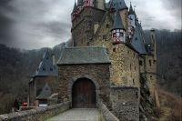 Burg Eltz 14b by Evolutione003 - Own work