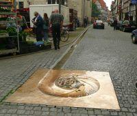 800px-Münden_Rinnstein_im_Straßenbelag