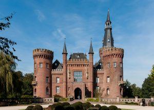 1280px-Kalkar_Northrhine-Westphalia_Germany_Moyland-Castle-01