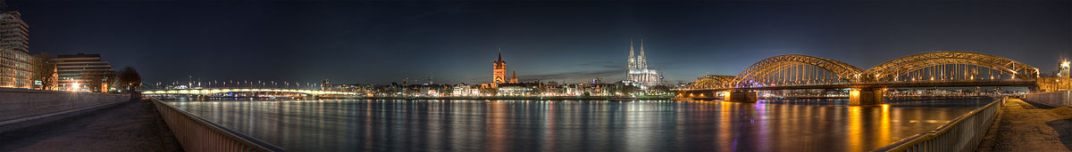 1200px-Cologne_-_Panoramic_Image_of_the_old_town_at_dusk