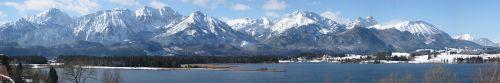 1280px-Allgaeuer_Alpen_Panorama_1